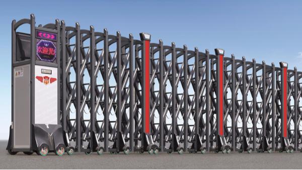 铝合金和不锈钢伸缩门,哪种材质适合沿海地区工厂使用?